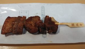 ファミリーマート 炭火焼豚ばら串(味噌ダレ)の大きさ